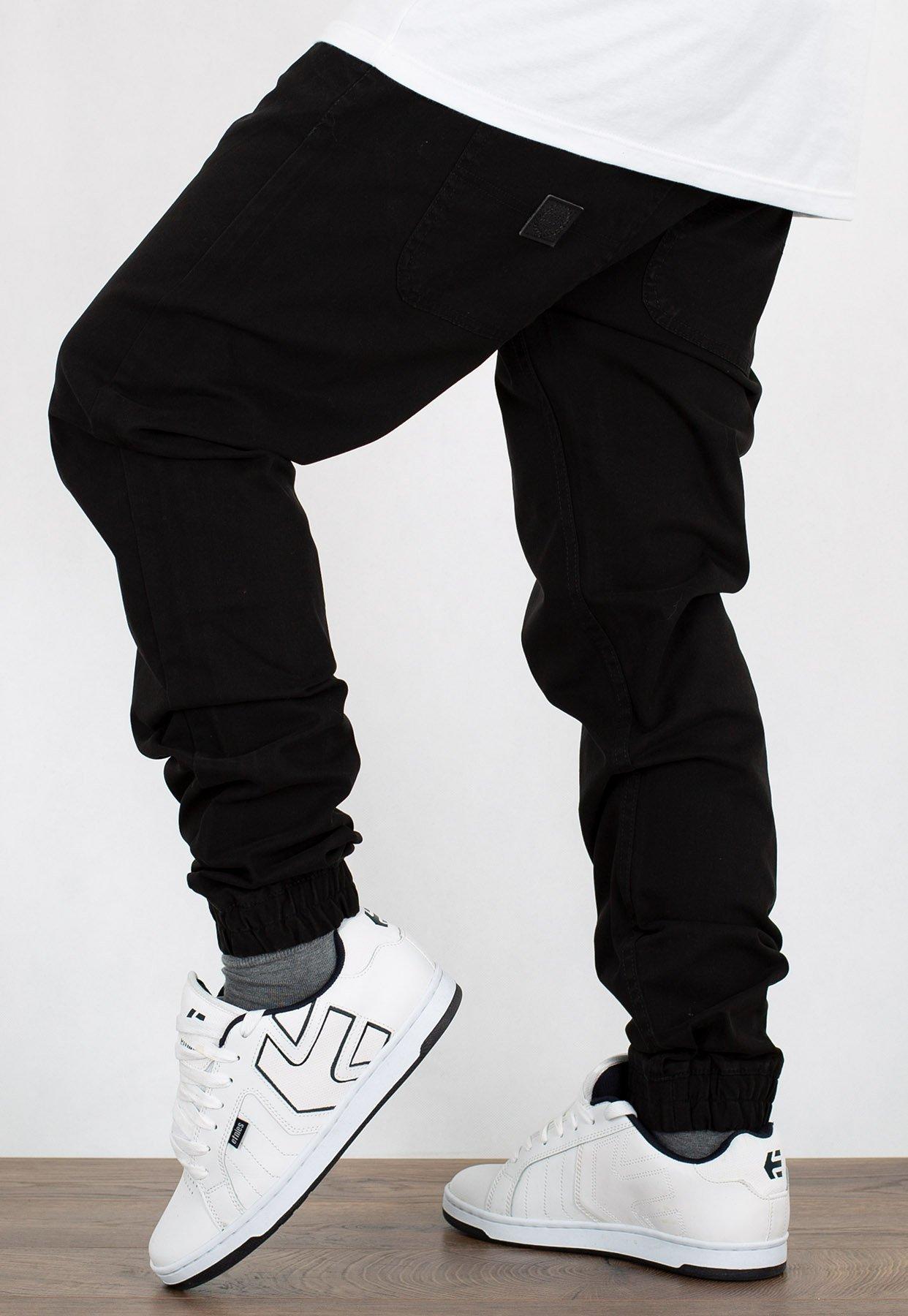 Spodnie Mass Jogger Sneaker Fit Base czarne